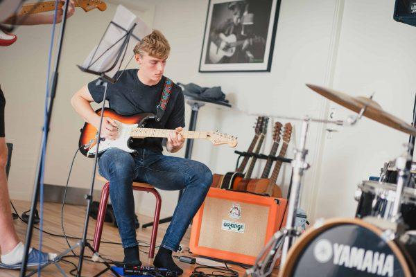 Band (6)