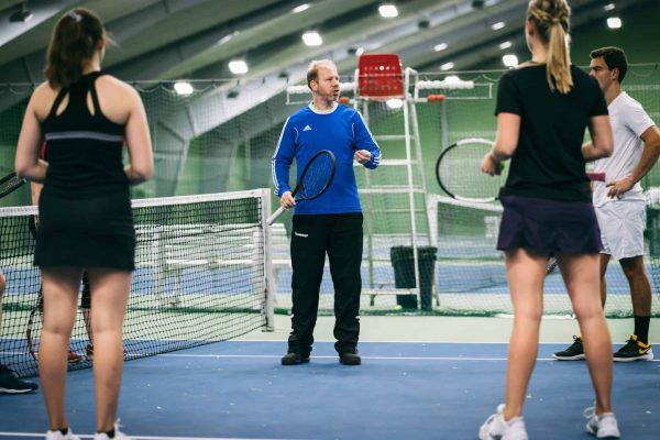 Tennistræner